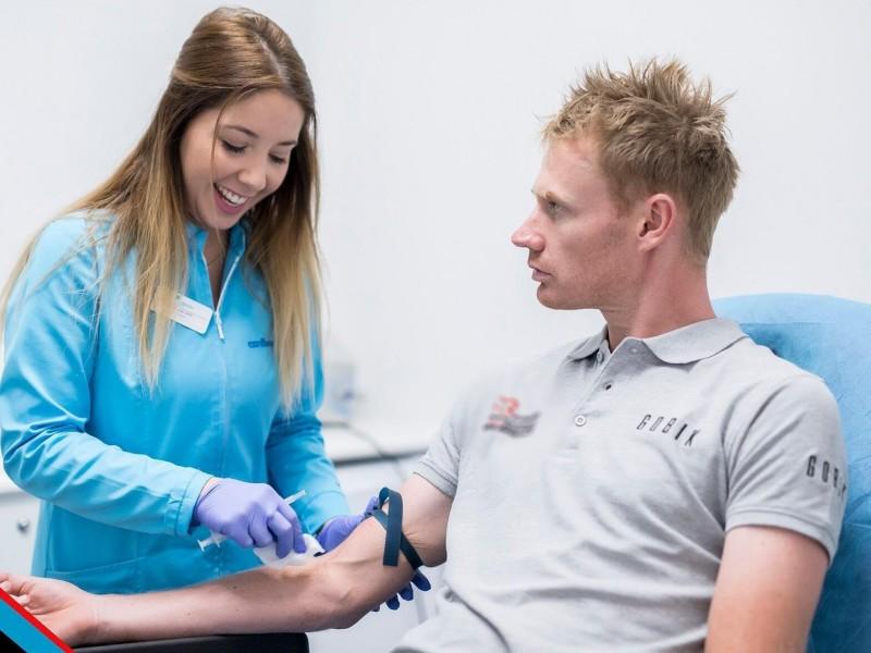 La importancia de la analítica sanguínea en deportistas